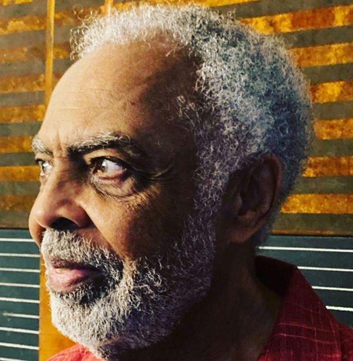 Gilberto Gil amplia livro com letras de músicas para edição comemorativa dos 80 anos de vida do artista